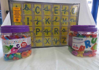 Librería Arco Iris, Juegos de letras